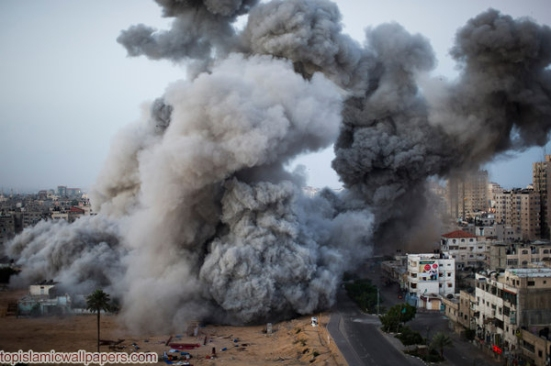 Gaza Under Attack_2012_bomb building