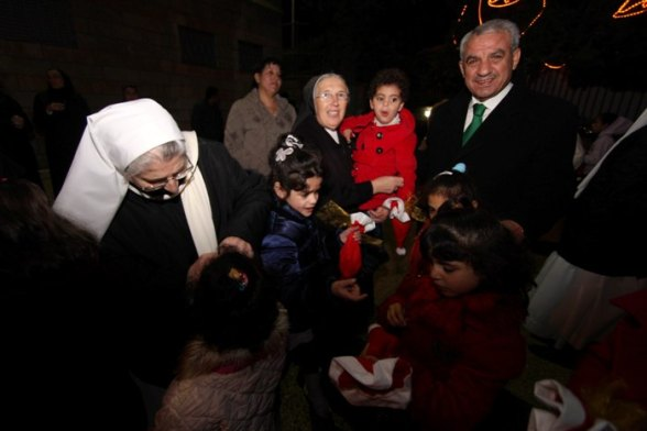 Dec 11 2012 - Bethlehem celebrates Christmas tree lighting Photo by Ahmed Mazhar- WAFA