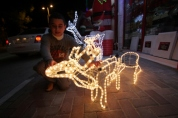 dec-11-2012-bethlehem-is-preparing-for-christmas-photo-by-ahmed-mazhar-4