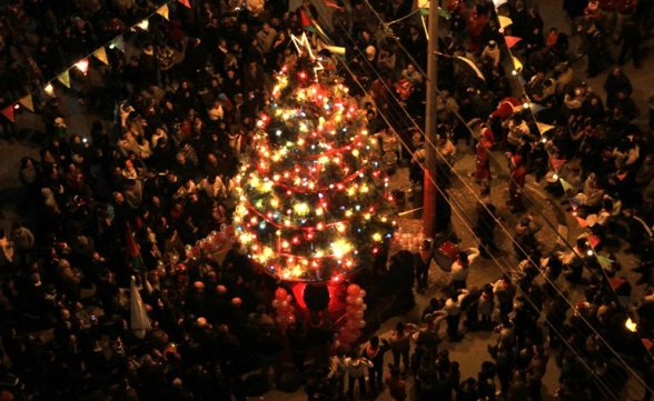 Dec 15 2012 - Nablus - Christian community light the Christmas tree in preparation for Christmas celebrations Photo by Ayman Nubana - WAFA