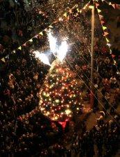 dec-15-2012-nablus-christian-community-light-the-christmas-tree-in-preparation-for-christmas-celebrations-photo-by-ayman-nubana-wafa-2