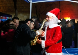 dec-18-2012-jerusalem-events-and-atmosphere-of-christmas-in-the-old-city-of-jerusalem-photo-by-afif-emera-wafa14_50_19_18_12_20121