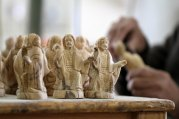 dec-19-2012-carvers-create-religious-figures-in-olive-wood-for-christmas-e28093-bethlehem-photo-by-ahmed-mazhar-33_31_18_19_12_20122