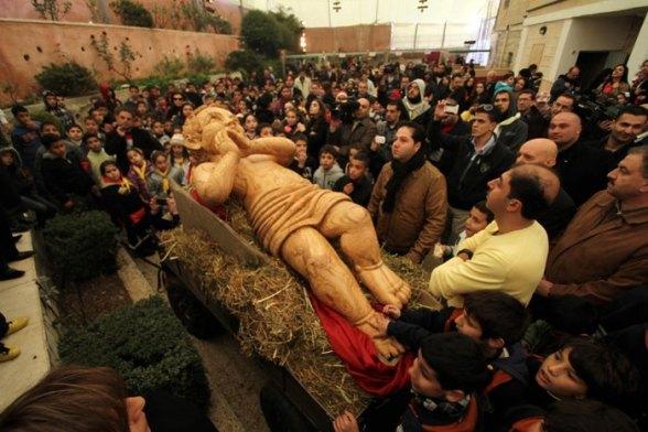 Dec 20 2012 Christmas preparations in Bethlehem By WAFA