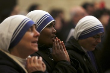 dec-25-2012-nuns-pray-during-catholic-mass-at-the-church-of-st-catherine-in-bethlehem-on-christmas-day