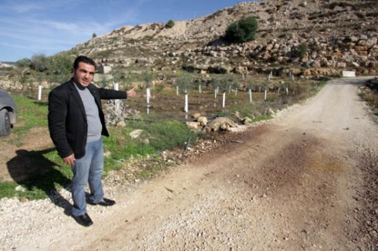 Settler_Violence_dec-4-2012-settlers-dump-wastewater-illegal-settlement-27_12_16_4_12_20123