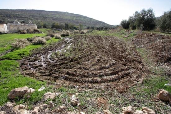 Settler_Violence_dec-4-2012-settlers-dump-wastewater-illegal-settlement-27_12_16_4_12_20125