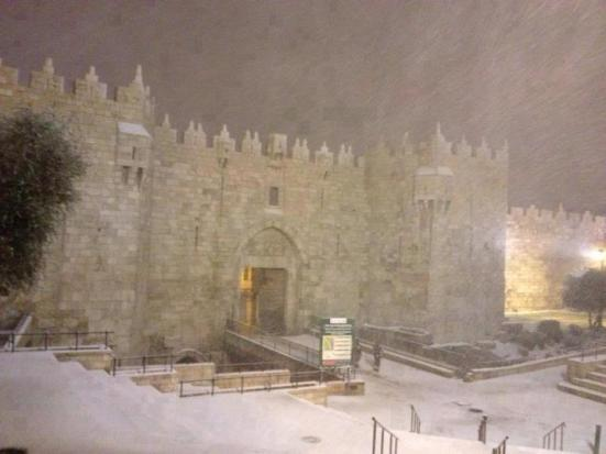 jan-9-2013-damascus-gate-jerusalem-in-snow