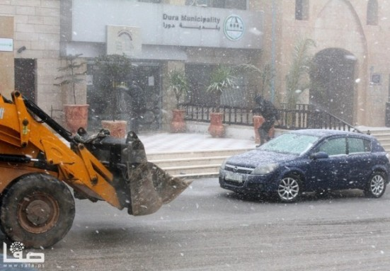 jan-9-2013-hebron-suffers-extreme-weather-and-snow-photo-by-safa-1