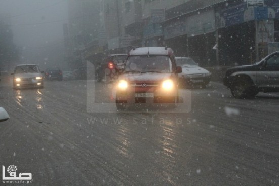 jan-9-2013-hebron-suffers-extreme-weather-and-snow-photo-by-safa-6
