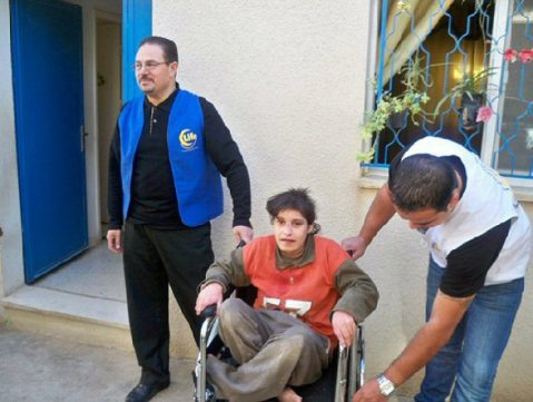 life-distributes-wheelchairs2
