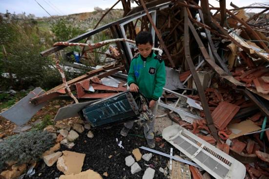 febr-5-2013-beit-hanina-home-demolition-palestine-photo-by-wafa-1