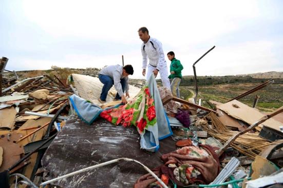 febr-5-2013-beit-hanina-home-demolition-palestine-photo-by-wafa-3