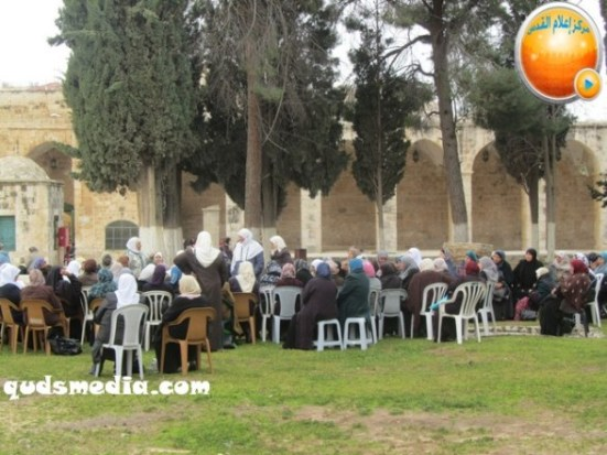 febr-5-2013-moshe-feigling-and-settlers-desecrate-al-aqsa-mosque-photo-by-qudsmedia-21