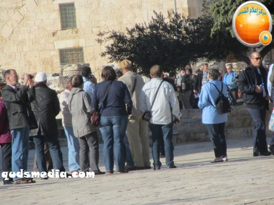 febr-7-2013-settlers-and-armed-forces-desecrate-al-aqsa-mosque-photo-by-qudsmedia-19
