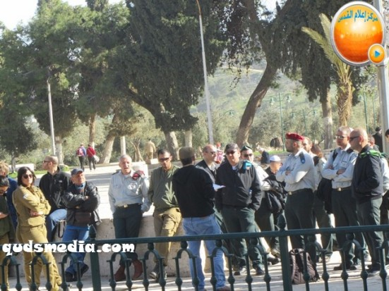 febr-7-2013-settlers-and-armed-forces-desecrate-al-aqsa-mosque-photo-by-qudsmedia-31