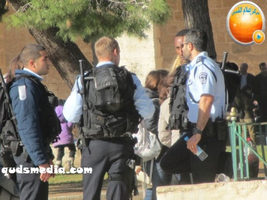 febr-7-2013-settlers-and-armed-forces-desecrate-al-aqsa-mosque-photo-by-qudsmedia-7