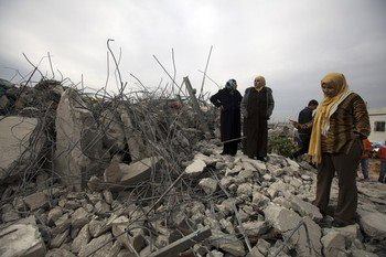 Israel demolishes house in Beit Hanina, Jerusalem-5-Feb-2013-Itspalestinenotisrael_pic-12