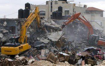 Israel demolishes house in Beit Hanina, Jerusalem-5-Feb-2013-Itspalestinenotisrael_pic-13