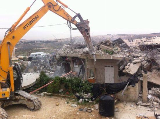 Israel demolishes house in Beit Hanina, Jerusalem-5-Feb-2013-Itspalestinenotisrael_pic-15
