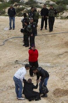 Israel demolishes house in Beit Hanina, Jerusalem-5-Feb-2013-Itspalestinenotisrael_pic-17