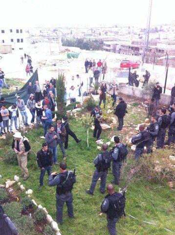 Israel demolishes house in Beit Hanina, Jerusalem-5-Feb-2013-Itspalestinenotisrael_pic-4