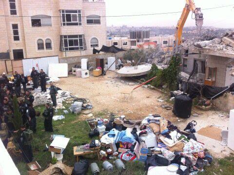 Israel demolishes house in Beit Hanina, Jerusalem-5-Feb-2013-Itspalestinenotisrael_pic-7