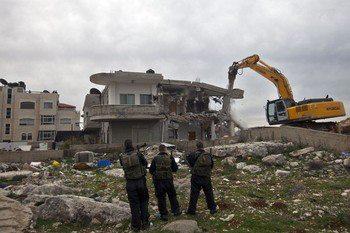 Israel demolishes house in Beit Hanina, Jerusalem-5-Feb-2013-Itspalestinenotisrael_pic-9
