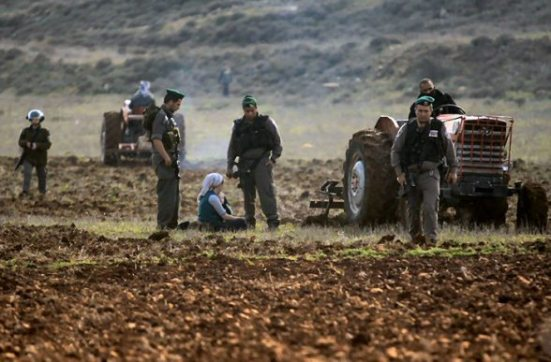 jan-2-2013-settler-attack-farmers-jaloud-2