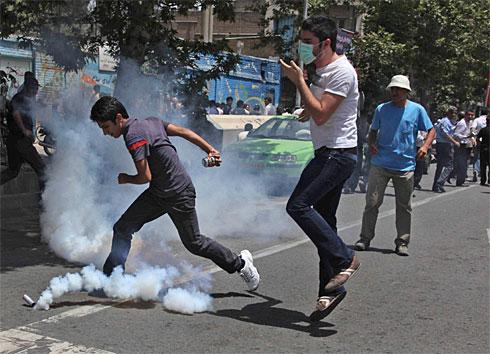 iran-teargasx-large