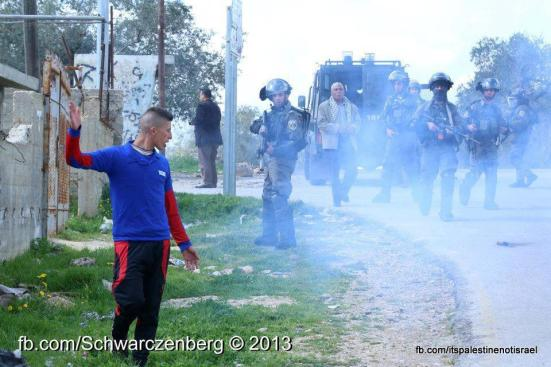 Nabi Saleh weekly demonstration, March 1, 2013_15