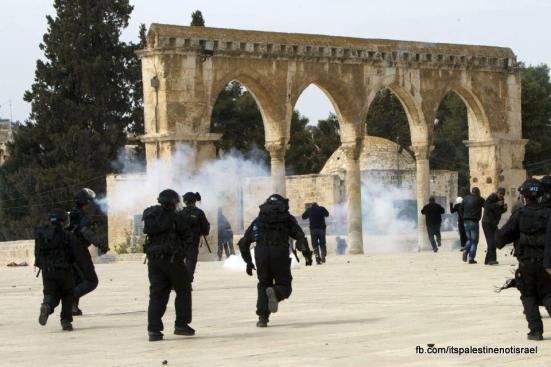 Israeli occupation forces storm Al-Aqsa compound_March_8_2013_02