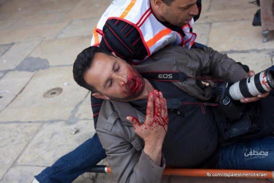 Israeli occupation forces storm Al-Aqsa compound_March_8_2013_07
