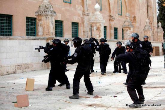 Israeli occupation forces storm Al-Aqsa compound_March_8_2013_15