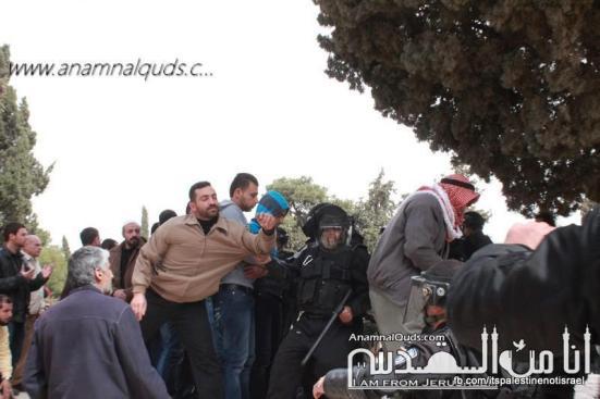 Israeli occupation forces storm Al-Aqsa compound_March_8_2013_31