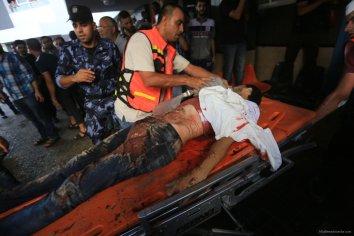 Israel-shells-Shujaya-market-in-Gaza-002