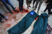 Israel-shells-Shujaya-market-in-Gaza-005