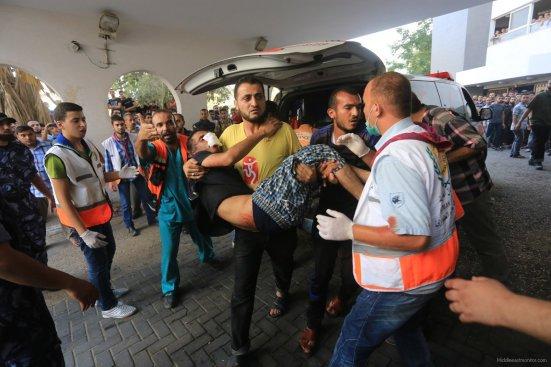Israel-shells-Shujaya-market-in-Gaza
