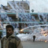Israel drops white phosphorus bombs on Gazans