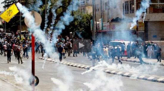 2-palestinians-shot-dead