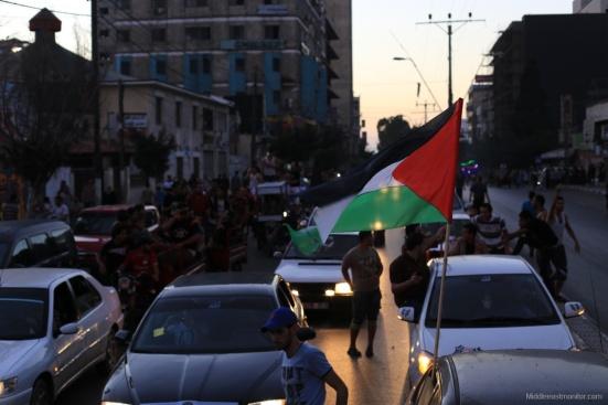 2014-08-27_Gazans-Celebrate-Ceasefire-003