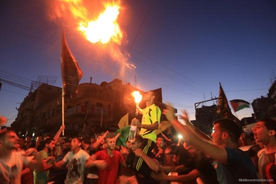 2014-08-27_Gazans-Celebrate-Ceasefire-006