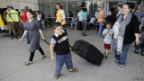 Gaza fighting rages on as hundreds of Israelis flee homes