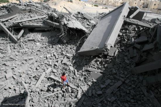 Gaza-under-attack-15-July-2014-photos-images-035