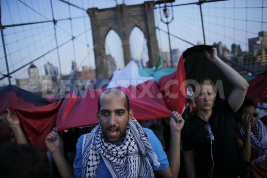 pro-palestinian-protest-on-the-brooklyn-bridge-in-new-york-city_5567840
