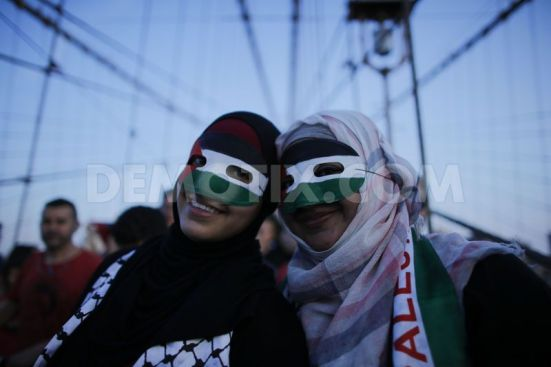 pro-palestinian-protest-on-the-brooklyn-bridge-in-new-york-city_5567854